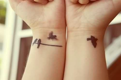 105 Tatuajes En La Muñeca Manos Y Dedos Pequeños Y Originales