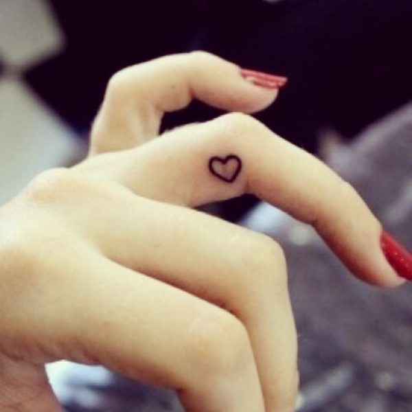105 Tatuajes En La Muneca Manos Y Dedos Pequenos Y Originales