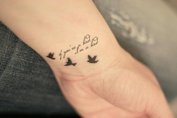 115 Tatuajes Pequenos Con Letras Y Simbolos Para Mujeres