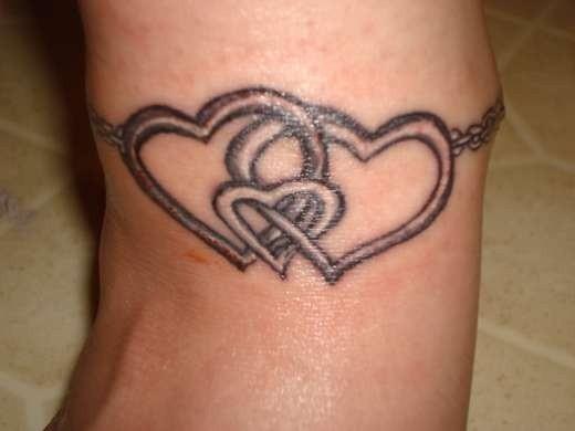 Tatuajes De Brazaletes Para Mujeres Corazones Entrelazados