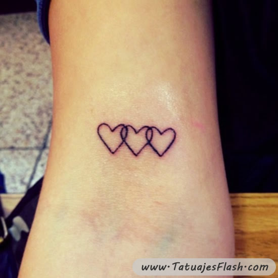 Tatuajes De Corazones En La Muñeca Tatuajes Para Mujeres