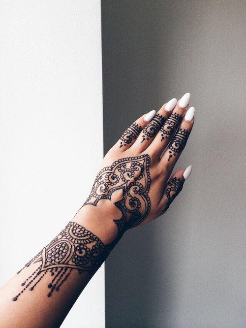 Disenos De Tatuajes Pequenos also Tatuajes De Nombres En La Mano further Tattoo Tigre besides Tatuaje Believe Tinta Blanca moreover Tatuajes De Dedos Cruzados. on para en los dedos de la mano tatuajes