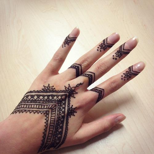 Tatuajes de henna im genes dise os como hacerlos y for Henna para manos