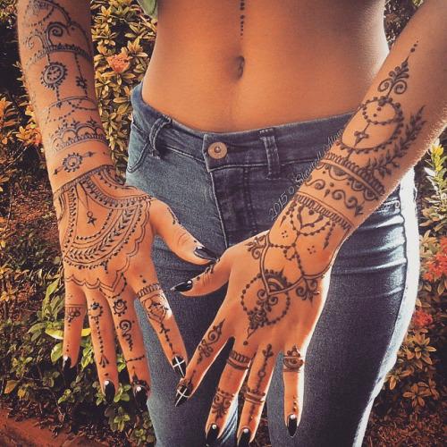 Tatuajes De Henna Imagenes Disenos Como Hacerlos Y Cuidarlos