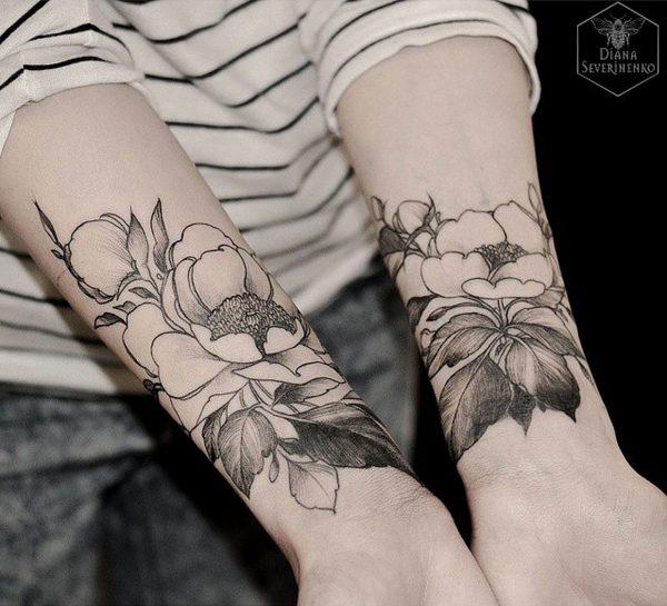 tatuajes de flores para mujeres dise os hermosos. Black Bedroom Furniture Sets. Home Design Ideas