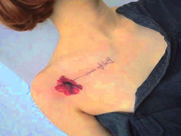 Tatuaje De Flor Cerca Del Hombro Para Mujeres Tatuajes Para Mujeres