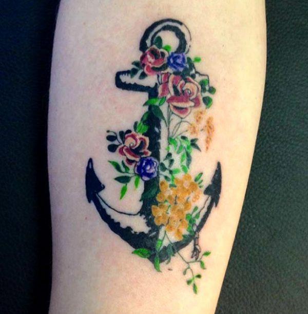Originales Y Creativos Tatuajes De Anclas Para Mujeres